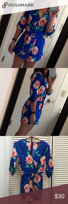 Floral romper size L (fits like M) Brand new floral romper. Perfect for a date night out on the town! It has sat in my closet unworn for far too long! Dresses