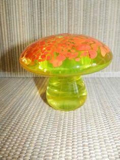 VTG Vaseline Glows Uranium Orange Yellow Art Glass MUSHROOM Paperweight Retro