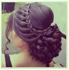 Alsó konty - New Sites Quince Hairstyles, Mom Hairstyles, Best Wedding Hairstyles, Pretty Hairstyles, Graduation Hairstyles, Homecoming Hairstyles, Pinterest Hair, Wedding Pinterest, Hair Upstyles