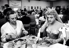 Bts of The Court Jester with Angela Landsbury & Basil Rathbone at lunch
