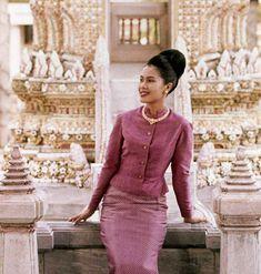 500 ฉลองพระองค์สุดงดงาม ของพระราชินี กว่า 70 ปีที่ผ่านมา King Phumipol, King Rama 9, King Queen, Hm The Queen, Her Majesty The Queen, Queen Sirikit, Bhumibol Adulyadej, Thailand, Thai Dress