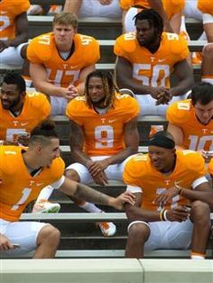 Joshua Dobbs' leadership leaving mark on Tennessee Vols football