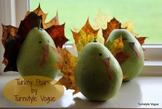 Use leaves and pears to make some adorable Thanksgiving turkeys
