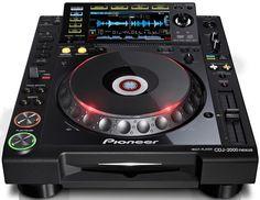 The most advanced CDJ ever. Pioneer CDJ 2000 Nexus
