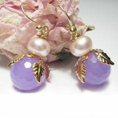 Süße romantische Blüten mit rosa Jade und Perle von Perlotte Schmuck www.perlotte.de