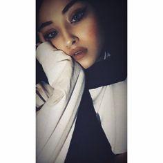 Snapchat Ideas, Food Snapchat, Muslim Beauty, Fake Girls, Girl Attitude, Selfie Poses, Profile Photo, Photo Instagram, Cute Photos
