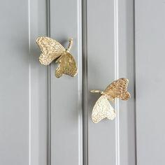 Wardrobe Door Handles, Wardrobe Drawers, Wardrobe Cabinets, Shoe Cabinet, Cabinet Knobs, Door Knobs, Copper Handles, Knobs And Handles, Nordic Lights