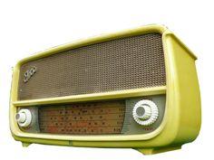 Yellow Ekco, marketed in Australia Vintage Yellow, Retro Vintage, Radio Antigua, Retro Radios, Television Tv, Antique Radio, Record Players, Old Tv, Cool Tones