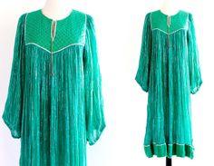 70s Vintage Green India Ethnic Boho Hippie Cotton Gauze Metallic Lurex Indian Gypsy Festival Maxi Dress . SML . D166 . No.674.12.18.13
