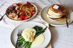 Breakfast Basics: Perfect Pancakes, Fancy French Toast and Easy Hollandaise  - A Beautiful Mess  ............................... GS: Yum Big Breakfast