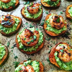 """These appetizers are so pretty to look at and they taste even better than expected. I mean look at those colors! The shrimp is spicy and has a great texture, w… # Food and Drink appetizers baked potatoes Spicy Shrimp and Guacamole on Sweet Potato """"Toasts"""" Clean Eating Snacks, Healthy Snacks, Healthy Recipes, Vegetarian Recipes, Seafood Appetizers, Appetizer Recipes, Potato Appetizers, Shrimp Recipes, Appetizer Dinner"""