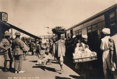 When the train stops in India, 1920's