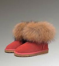 UGG Womens Slippers Size 5 UGG slippers size US 5 Suede upper and sheepskin liningmoccasin inspired design rubber outsole with some signs of wear but still in good condition. For this reason I price it low. Thanks for looking. UGG Shoes Slippers