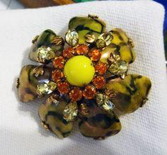SCHREINER BROOCH ART GLASS Rhinestone Stacked Flower