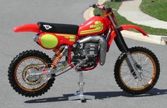 Maico 490cc ... My father had one of these, that bike scared the hell out me!
