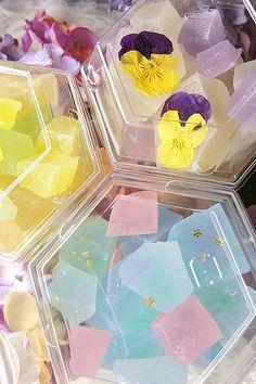 Paper Flower Garlands, Paper Flower Backdrop, Thai Dessert, Dessert Table, Japanese Sweets, Japanese Food, Candy Samples, Making Sweets, Cute Food