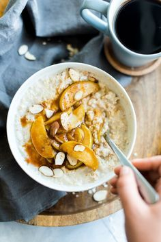 Caramelized Apple Oatmeal - easy, fast, healthy, and mouthwateringly good!
