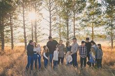 Large Family Portraits, Extended Family Photography, Large Family Poses, Family Portrait Poses, Family Picture Poses, Family Photo Sessions, Family Posing, Large Family Photo Shoot Ideas Group Poses, Large Families