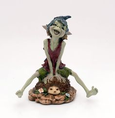 A goblin's name: Pixies harping on hedgehog one.   Size: 25 cm