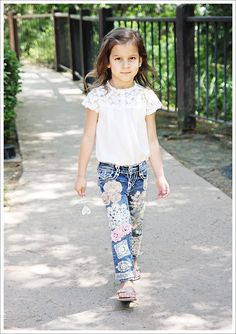 Love this idea.  Save idea for a granddaughter one day...LOL  What Stella Wore ~ Boho Embellished Jeans