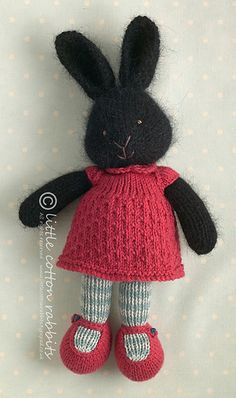 Raven, a knitted rabbit | littlecottonrabbits, via Flickr
