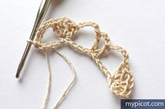 MyPicot is always looking for excellence and intends to be the most authentic, creative, and innovative advanced crochet laboratory in the world. Crochet Stitches Patterns, Stitch Patterns, Heatless Curls, Stitch Design, Filet Crochet, Crochet Flowers, Projects To Try, Hair Accessories, Creative