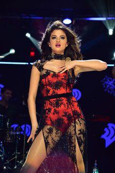 Selena Gomez - Live   Performing