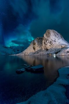au Aurora Borealis at Hamnøy, Lofoten. by Hans Logren #norway #norge #nordland #lofoten #island #night #blue #green #aurora #light #stars #winter #cold #water #frozen #auroraborealis #mountains #lake ... - Joanne Legault - Google+