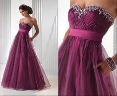 tmavě růžové šaty na ples