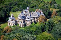 The 10 most beautiful castles of Hungary Magyarország 10 legszebb kastélya. Castle Ruins, Castle House, Medieval Castle, Beautiful Castles, Beautiful Buildings, Budapest, The Secret Of Moonacre, Mansion Interior, Heart Of Europe