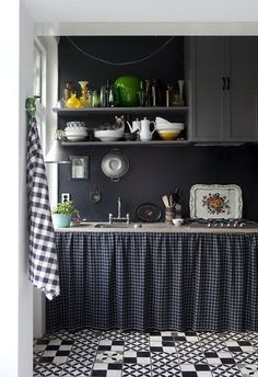 """11 Ways to Add a Little Style to Your Rental Kitchen — Renters Solutions """"Home & Garden. the country-kitchen look: replace cabinets doors with a skirt. Home Interior, Kitchen Interior, Kitchen Decor, Interior Decorating, Decorating Ideas, Kitchen Paint, Kitchen Backsplash, Decor Ideas, Hexagon Backsplash"""