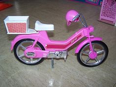 Le Scooter de Barbie I had this, so much fun!