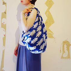 """ハサミや糸もいらない結ぶだけで出来る簡単な""""風呂敷バッグ""""。1枚の布で作るので、どんな物も収納できる優秀さが魅力的なんです。バッグインバッグとしても使える風呂敷バッグを紹介します。"""