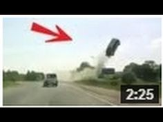 CRASH ! Horrible accident, voiture volante !! INCROYABLE