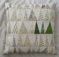 Love!!! Must make more Christmas / holiday pillows next year!
