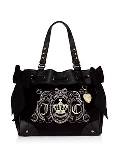Juicy Couture Crest Velour Daydreamer purse, black! In love ❤️❤️❤️❤️❤️