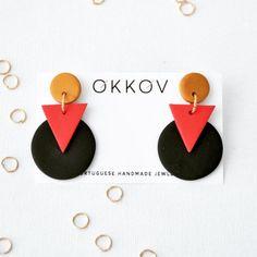 Hot Geometrical Earrings by Okkov on Etsy Polymer Clay Projects, Handmade Polymer Clay, Polymer Clay Jewelry, Clay Beads, Diy Clay Earrings, Earrings Handmade, Handmade Jewelry, Ideas Joyería, Terracotta Jewellery