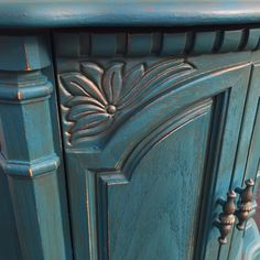 Blend of Peacock & Palmetto with Van Dyke & Copper Bronze Glaze.