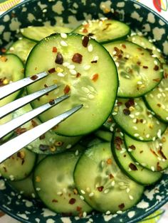 Asian Spicy Sesame Cucumber Salad Recipe – Melanie Cooks For slices of stale toast Japanese Cucumber Salad, Spicy Cucumber Salad, Creamy Cucumbers, Cucumber Recipes, Healthy Salad Recipes, Juicer Recipes, Cucumber Kimchi, Salad Recipes For Dinner, Chicken Salad Recipes