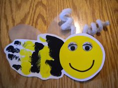 BEE A Buddy, Not A Bully! – Bullying Prevention Bulletin Board Idea Bee Craft for Children and Bullying Prevention Bulletin Board Idea Bee Crafts For Kids, Bug Crafts, Daycare Crafts, Classroom Crafts, Summer Crafts, Toddler Crafts, Art For Kids, Insect Crafts, Footprint Art