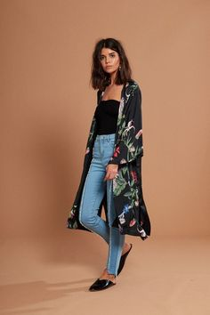 HIGH SUMMER SHOP // Our print of the season, this Wildflower kimono is a longline fit with side split detailing. Throw it on with sandals and sunglasses, it's perfect from beach to bar. Features single welt pockets and full body lining. Kimono Jacket, Kimono Top, Rose Clothing, Unique Fashion, Fashion Design, Fashion Ideas, Black Neon, Jackets Online, Coat