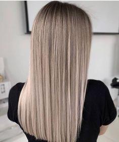 Beautiful Send DM for credit. Blonde Hair Looks, Ash Blonde Hair, Balayage Hair Blonde, Blonde Highlights, Dark Blonde, Chunky Highlights, Caramel Highlights, Color Highlights, Balayage Straight Hair