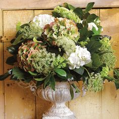 Decorating With Flowers - Arrangement Ideas - Displaying Flowers ...