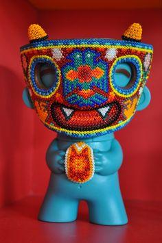 TIXINDA Vinyl Toys, Vinyl Art, Designer Toys, Mexican Folk Art, Toys For Girls, Bead Art, Art Forms, Arts And Crafts, Clay Crafts