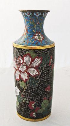 Cloisonné-Vase, geschliffen  ca. 30 cm hoch, China 19/20 jh.