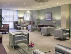 This elegant business lounge is an excellent example of premium Mayfair office space. (Take 5: Mayfair's Most Stylish Business Centres)