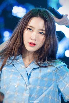 Kpop Girl Groups, Korean Girl Groups, Kpop Girls, Jiho Oh My Girl, Kpop Girl Bands, The Most Beautiful Girl, Girl Day, Perfect Photo, South Korean Girls
