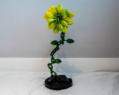 Flower with stand from recycled Metal. Welded Art, One More Step, Metal Flowers, Recycled Art, Metal Art, Create Yourself, Recycling, Sculpture, Etsy