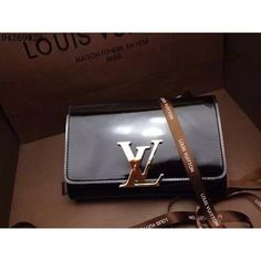 Louis Vuitton LV clutches bags handbags 1 to 1 quality from replica shop, Size W23CM, Leather, shiny #LOVUBAG-779