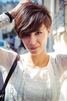 Funky short pixie haircut with long bangs ideas 106
